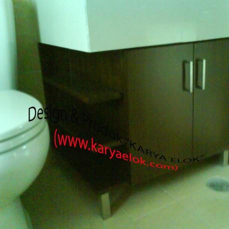 Lemari Toilet