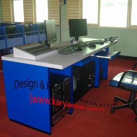 Meja Lab/Laboratorium Bahasa